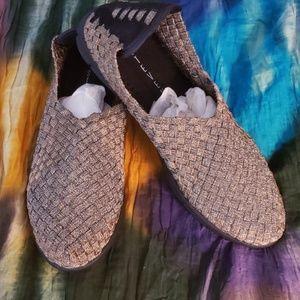 Steven by Steve Madden Cliper shoe, size 6